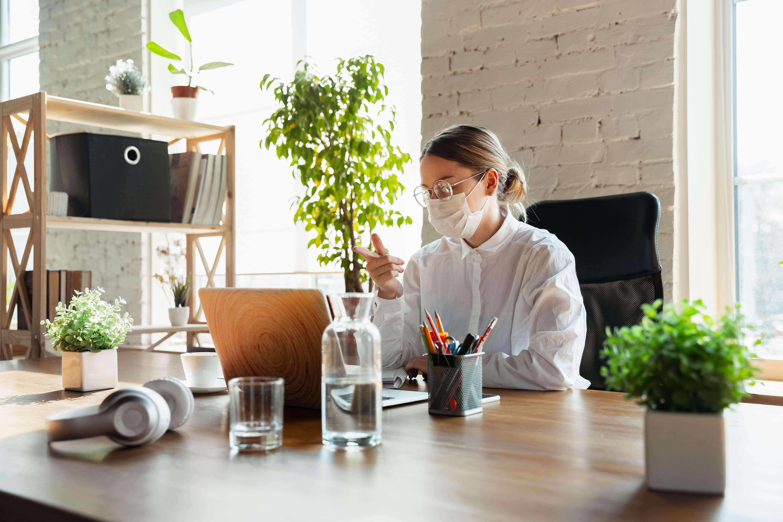 Mascherine e occhiali appannati: soluzioni per non appannare gli occhiali con la mascherina